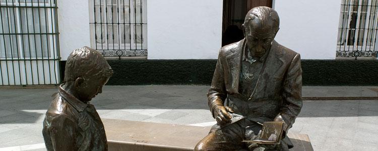Estatua Jose Saramago en Conil